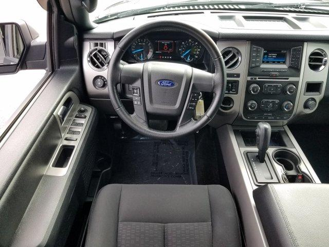 Pre-Owned 2017 Ford Expedition XLT 4x2