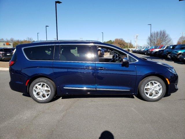 New 2020 CHRYSLER Pacifica Limited FWD
