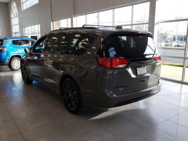 New 2020 Chrysler Pacifica Red S FWD