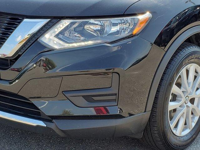 Pre-Owned 2018 Nissan Rogue FWD SV