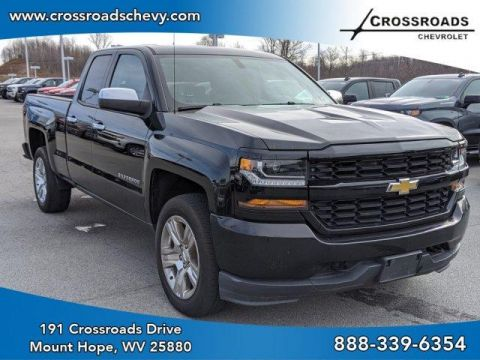 Pre-Owned 2016 Chevrolet Silverado 1500 4WD Double Cab 143.5 Custom