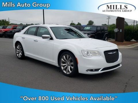 Pre-Owned 2018 Chrysler 300 Limited RWD RWD 4dr Car