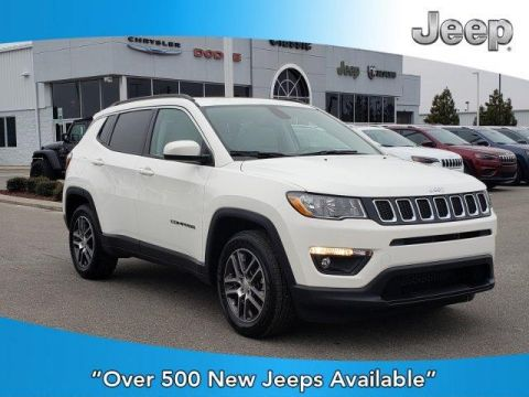 New 2020 JEEP Compass Latitude w/Sun/Wheel Pkg FWD