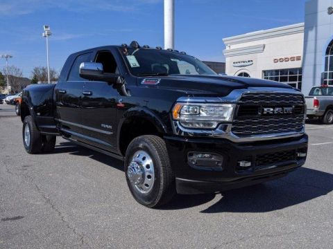 New 2019 RAM 3500 Limited 4x4 Mega Cab 6'4 Box With Navigation