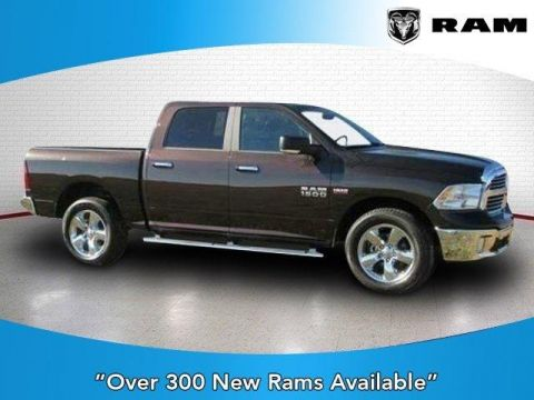 New 2017 RAM 1500 Big Horn 4x4 Crew Cab 5'7 Box