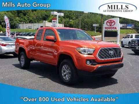 Pre-Owned 2017 Toyota Tacoma SR5 Access Cab 6' Bed V6 4x4 AT 4WD